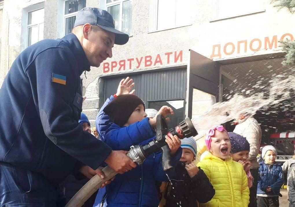На Волині рятувальники провели екскурсію для дітей закладу дошкільної освіти. ФОТО