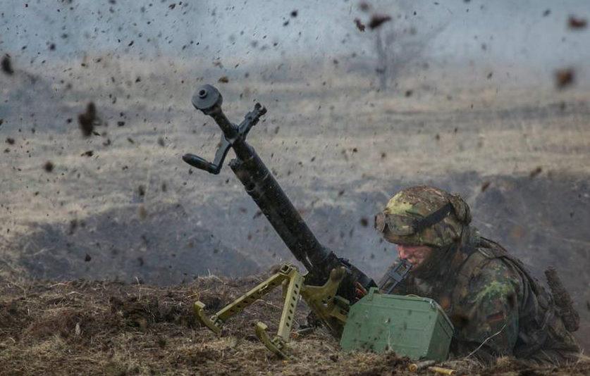 Окупанти на Донбасі другу добу обстрілюють ділянку розведення у Золотому