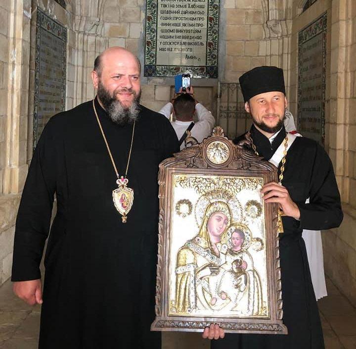 Замироточила ікона, яку придбав волинський священик. ФОТО