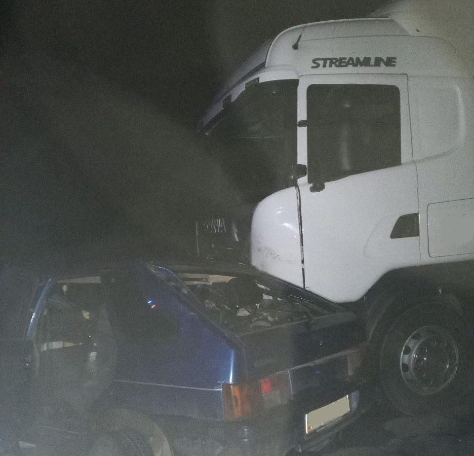 На Волині у ДТП за участі вантажівки загинули троє людей. ФОТО