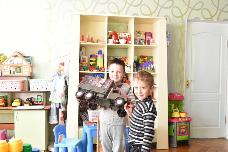 «Подаруй дитині іграшку»: у Луцьку відбулася благодійна акція. ФОТО