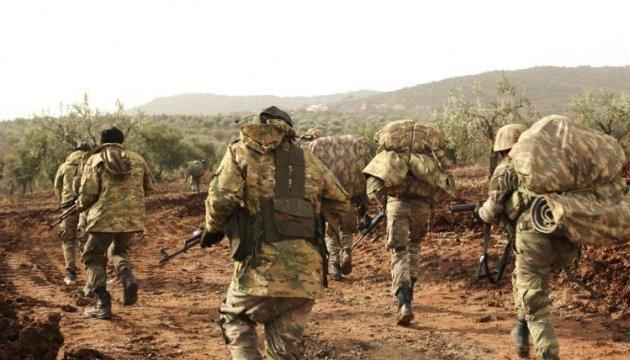 Туреччина стягує війська до кордону із Сирією