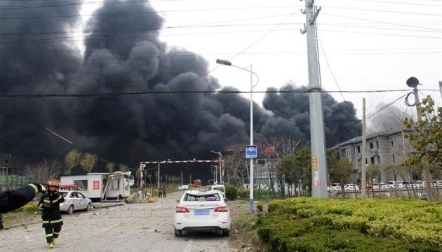 На китайському заводі сталася пожежа, у якій загинули люди