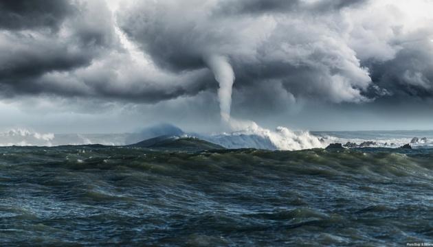 На Японію насуваються одразу два нових тайфуни