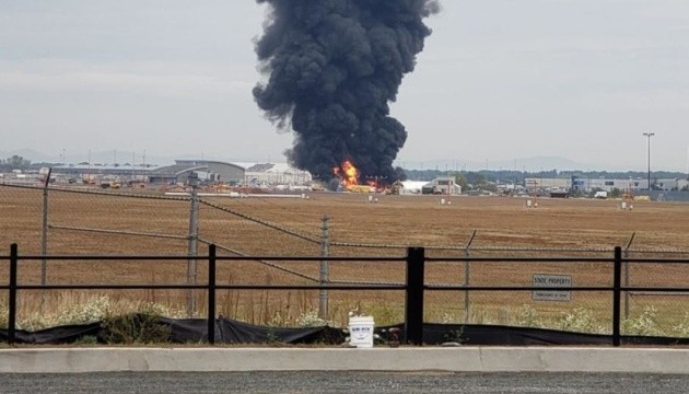 У США на авіавиставці розбився літак