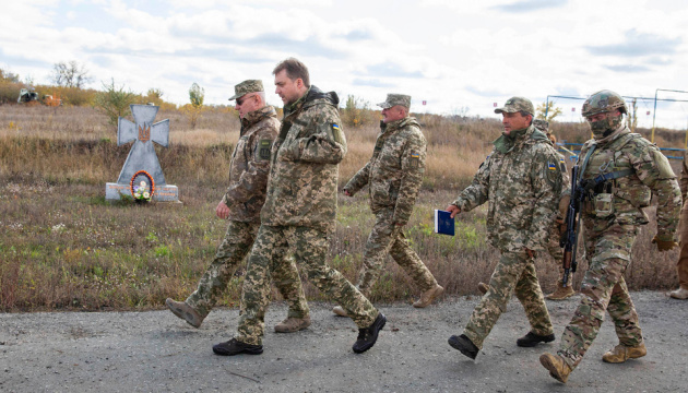 На Донбасі ропочався процес розведення військ