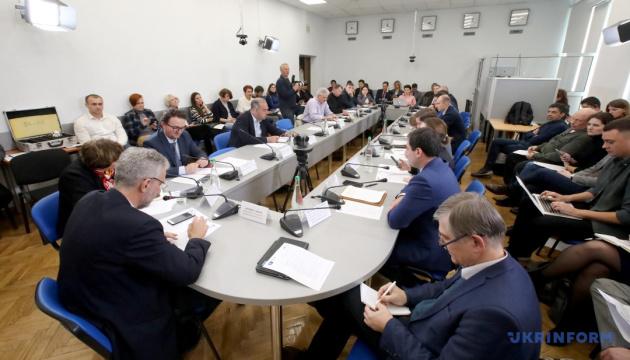 У Зеленського представлять ідеї до кінця року щодо деокупації Криму і Донбасу