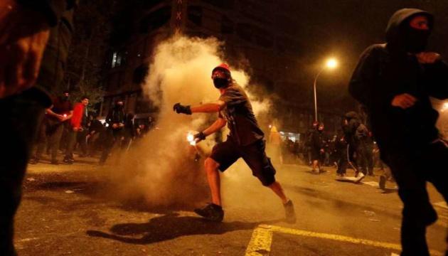 Під час масових протестів у Каталонії постраждали 89 осіб