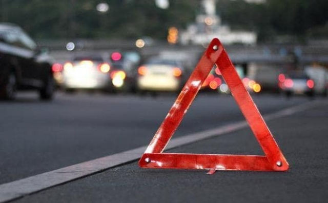 На Волині «Mercedes Benz» зіткнувся з мотоциклістом