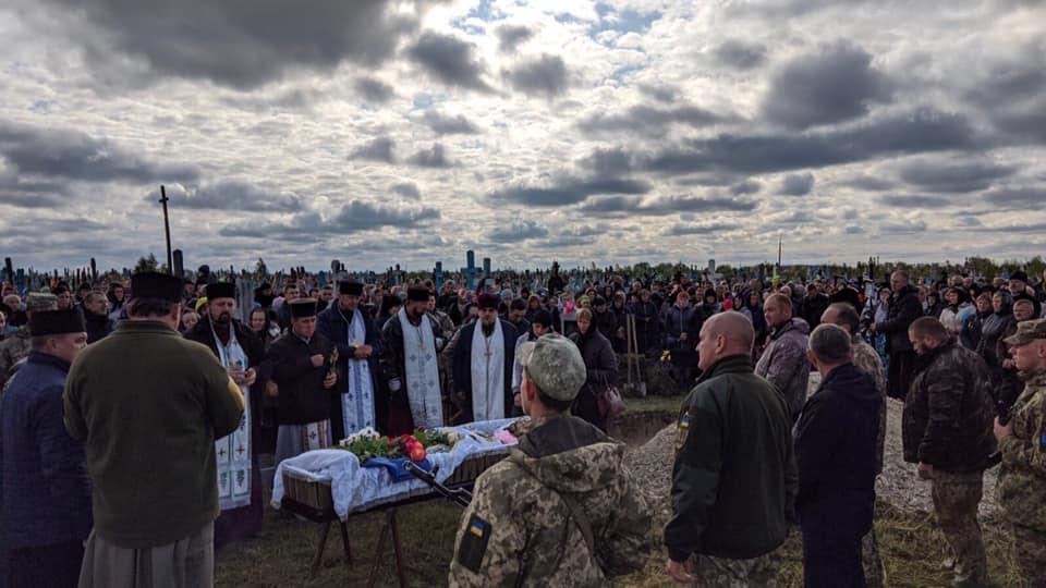 Як на Волині прощалися з загиблим на Донбасі волинянином. ФОТО