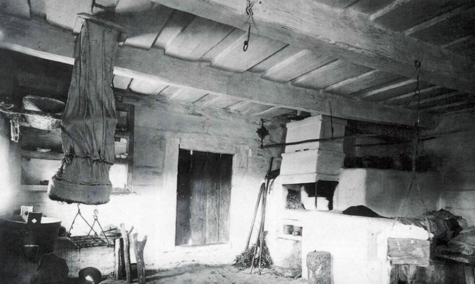 Волинянам показали, як виглядав інтер'єр хати на Поліссі майже 90 років тому
