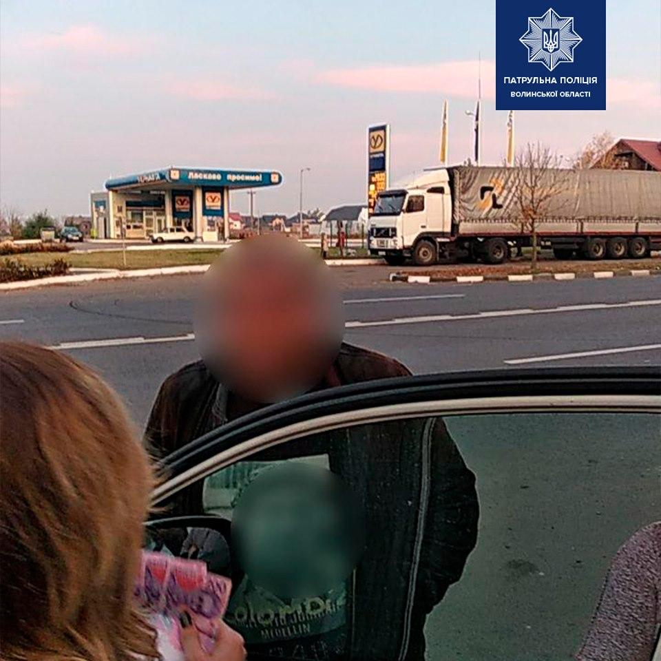 У Луцьку нетверезий водій пропонував патрульним хабар