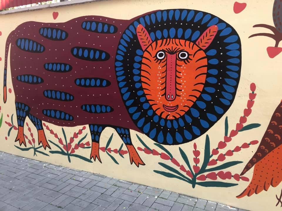 У Луцьку оригінально розмалювали стіни. ФОТО
