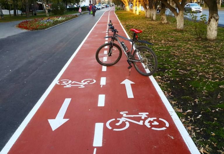 У Луцьку просять облаштувати велодоріжки на одній із вулиць