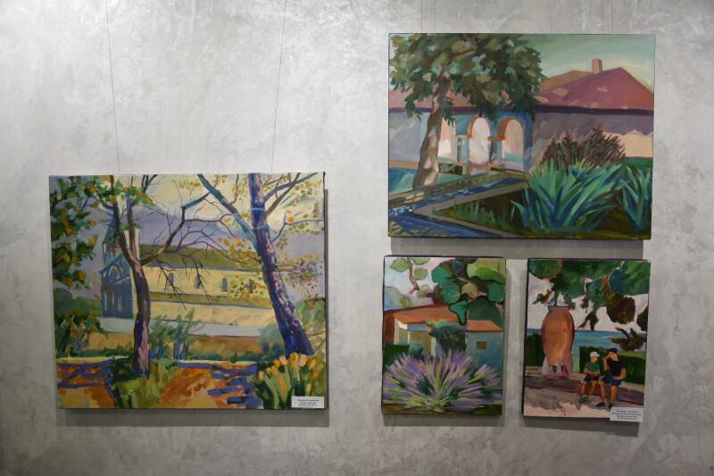 У художній школі Луцька проходить виставка творчих робіт викладачів