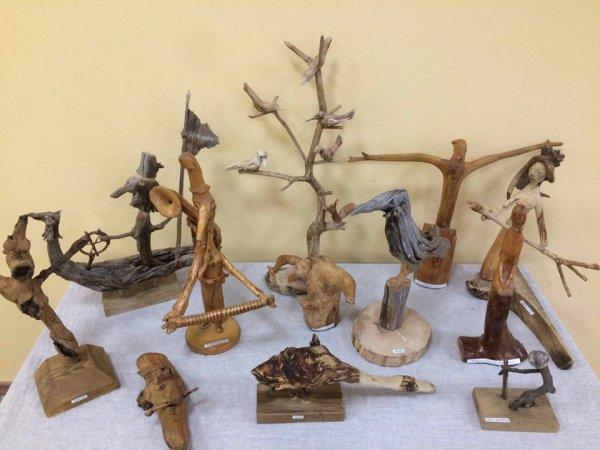 На Волині відбулась виставка виробів з коріння та гілок. ФОТО