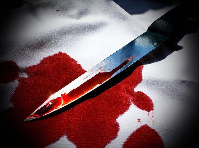На Волині чоловік на очах у дітей ударив дружину ножем в серце