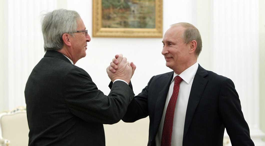 Президент Єврокомісії розповів, чому поцілував Путіна