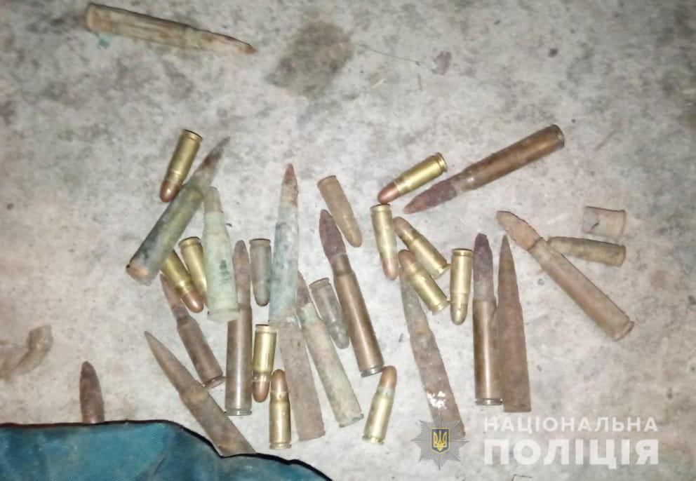 У Луцьку поліція в будинку місцевого жителя вилучила боєприпаси