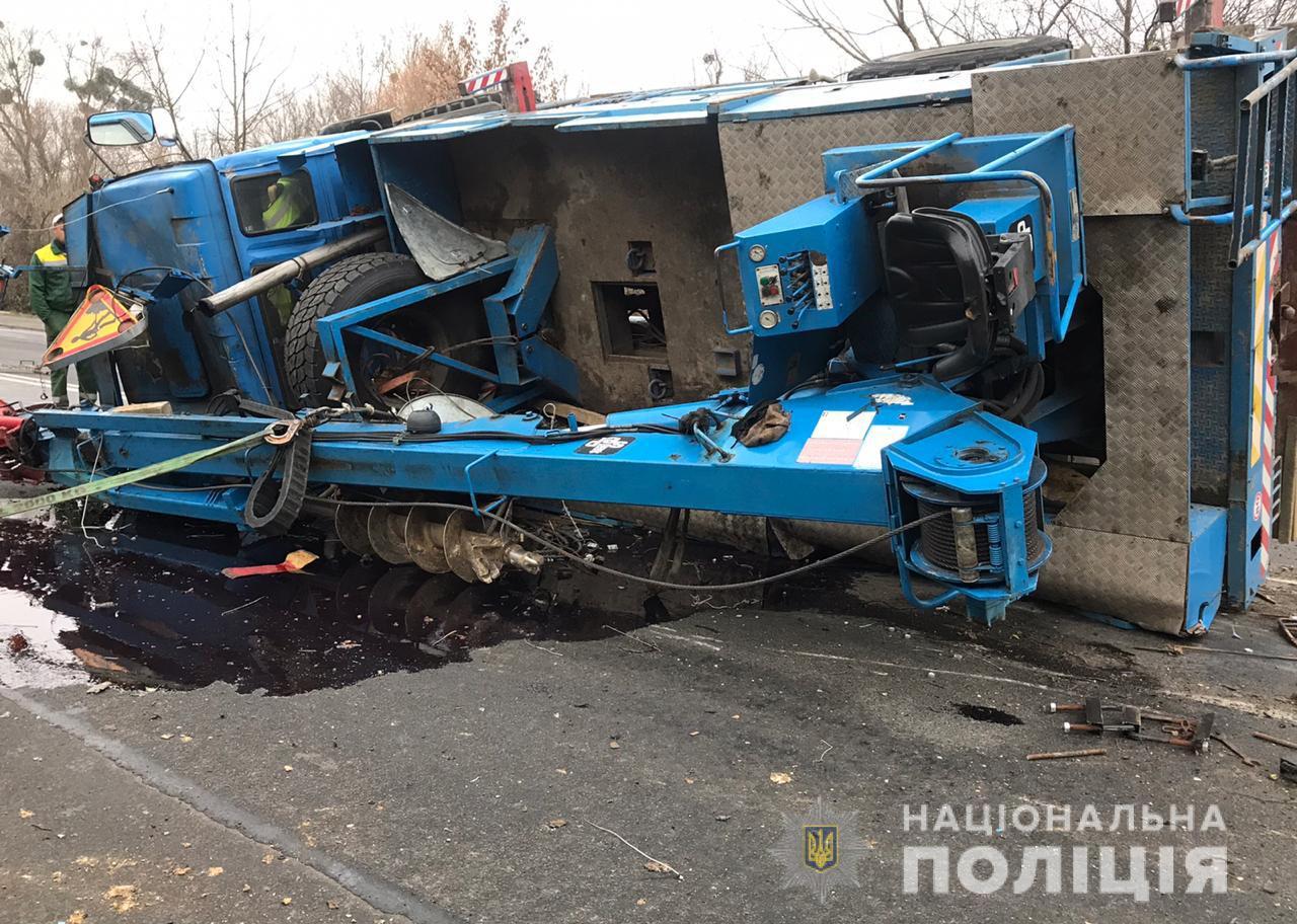 Один водій загинув, іншого госпіталізували: деталі летальної ДТП на Набережній