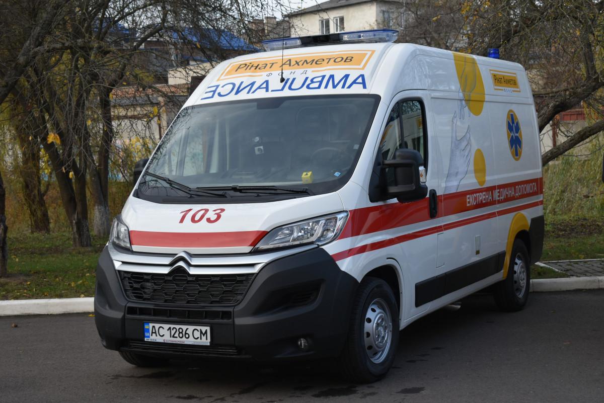 Три райони Волині отримали автомобілі швидкої допомоги