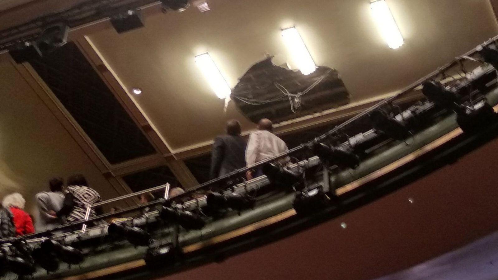У Лондоні в театрі обвалилася стеля: є постраждалі