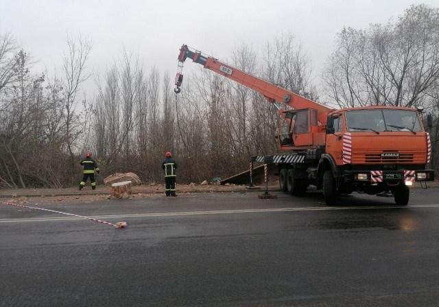 Потерпілого вирізали із автомобіля: нові деталі моторошної аварії на Набережній у Луцьку