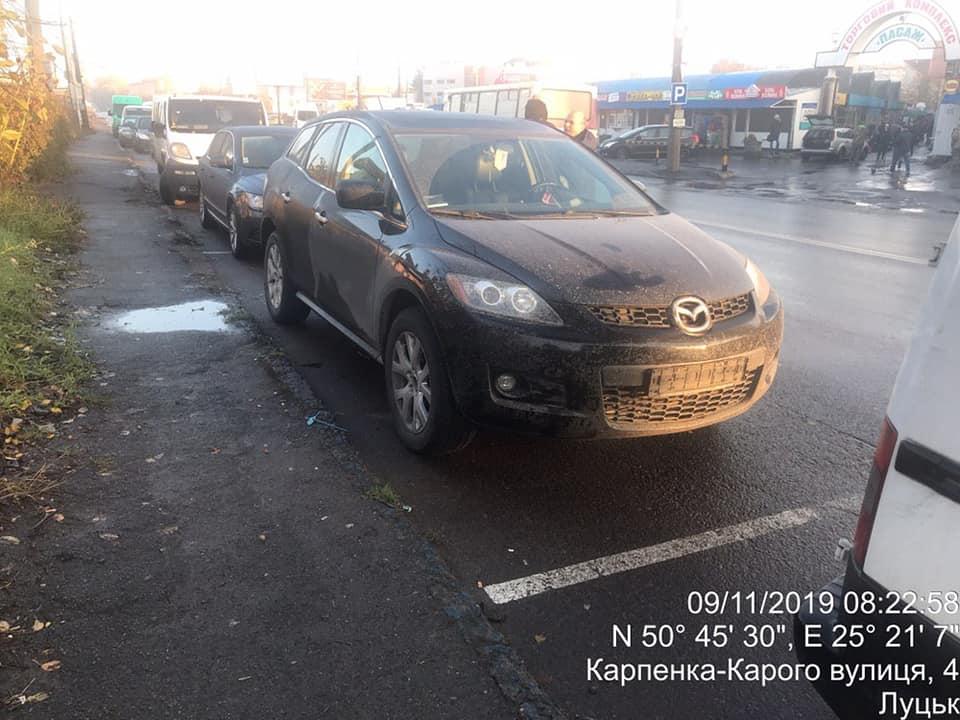 У Луцьку водії познімали номерні знаки, щоб не платити штрафи