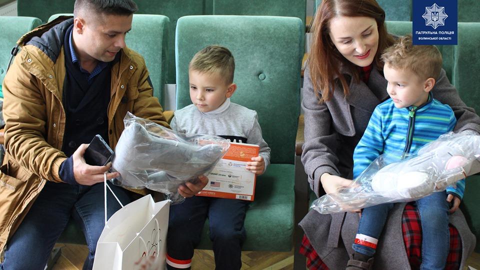 «Посадіть дитину в автокрісло»: у Луцьку нагородили переможців флешмобу