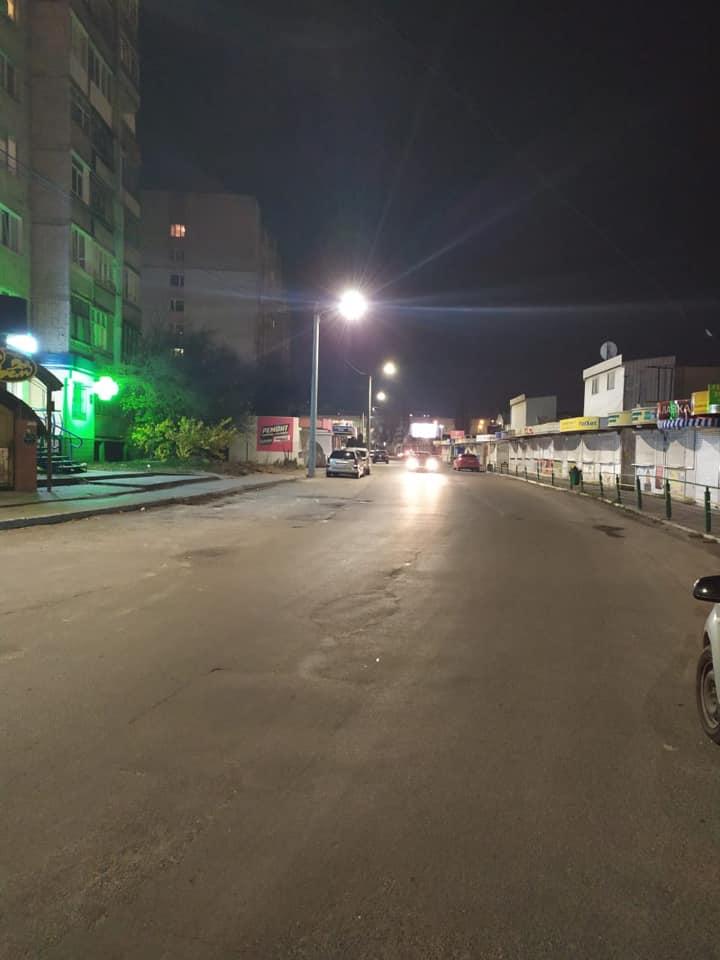 На Луцьких вулицях продовжують встановлювати LED-освітлення. ФОТО