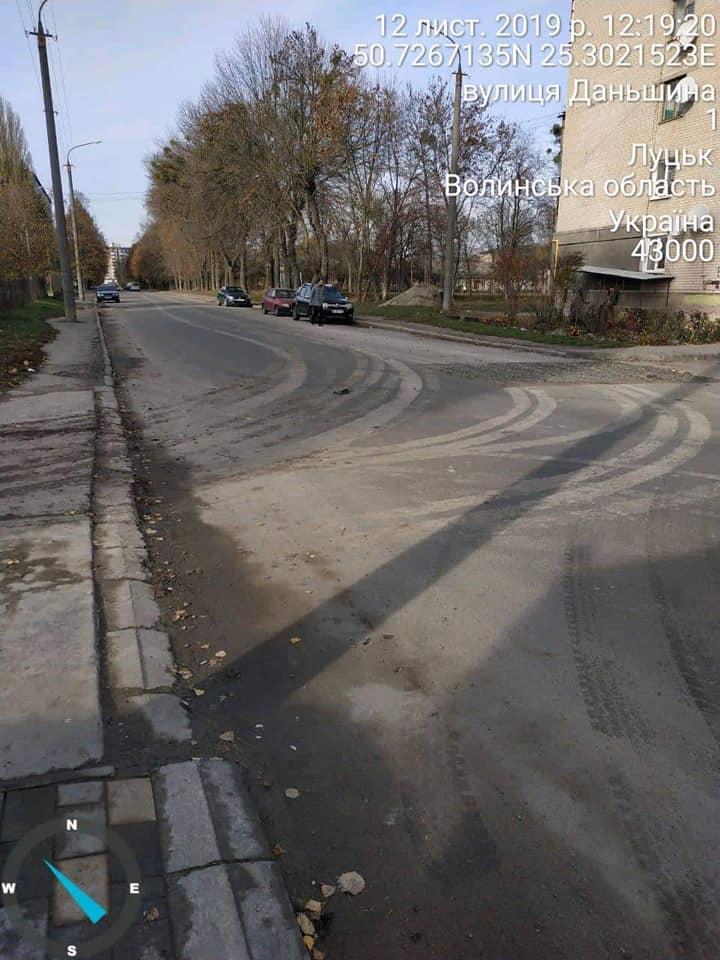 Луцькі фірми забруднили своїми автомобілями дорогу в місті