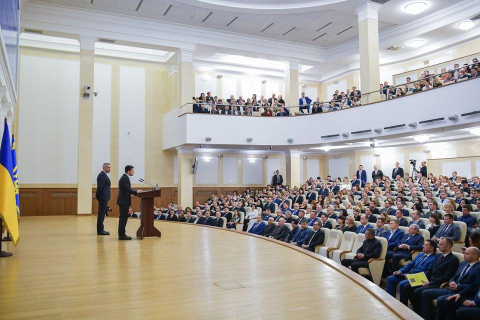 Зеленський заявив, що Верховна Рада 3 грудня візьметься за проблему справ Майдану