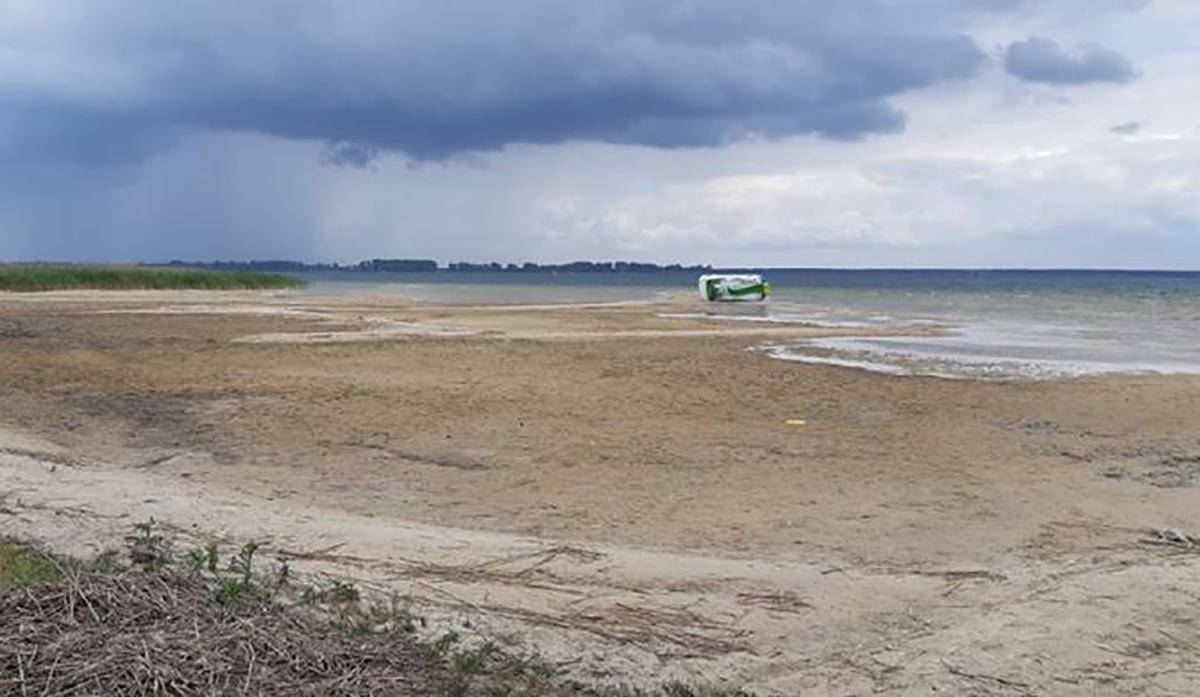Досудове розслідування за фактами видобування піску з озера Світязь триває
