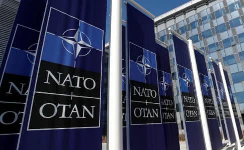 США планують скоротити фінансування НАТО і направити кошти на підтримку України