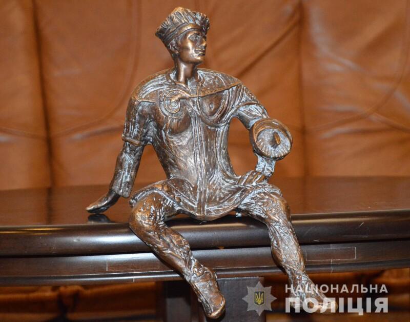 У Луцьку знайшли скульптуру кликуна, яку нещодавно викрали