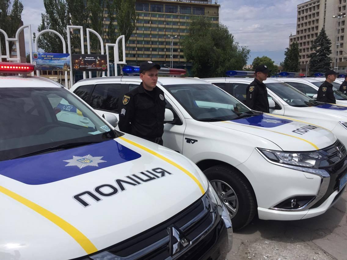 Уряд придбає понад 800 поліцейських авто для сільської місцевості
