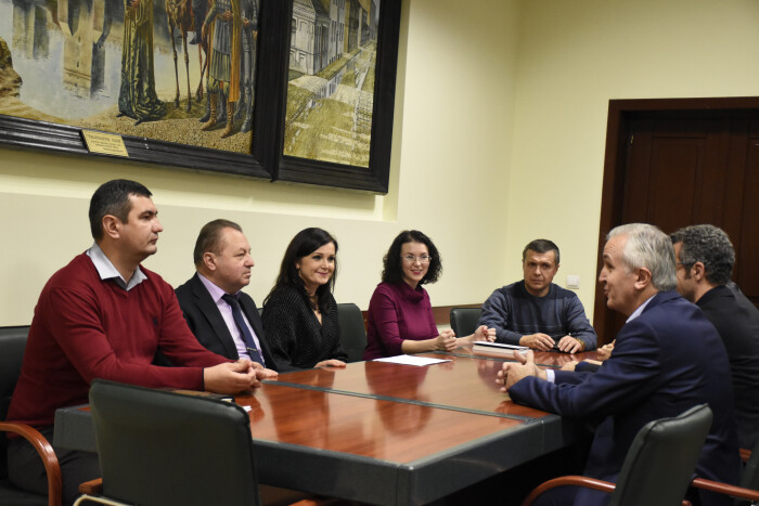 У Луцьку підписали договір на впровадження електронного квитка