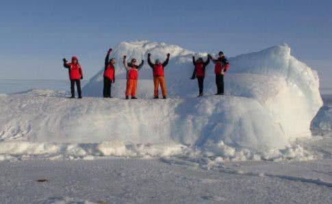 Українців привітали з Новим роком з Антарктиди