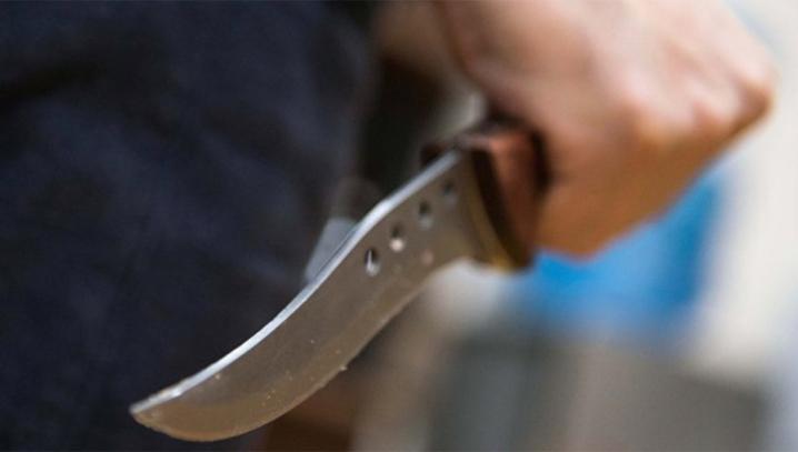 На Волині зарізали та пограбували чоловіка: одного зловмисника затримали, другий – у розшуку