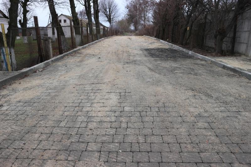 У селі на Волині розширили дорогу