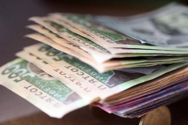 В Україні середня зарплата у річному вимірі зросла на 16,6 %