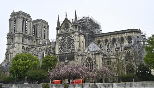 У соборі Паризької Богоматері вперше за 200 років не буде різдвяної меси