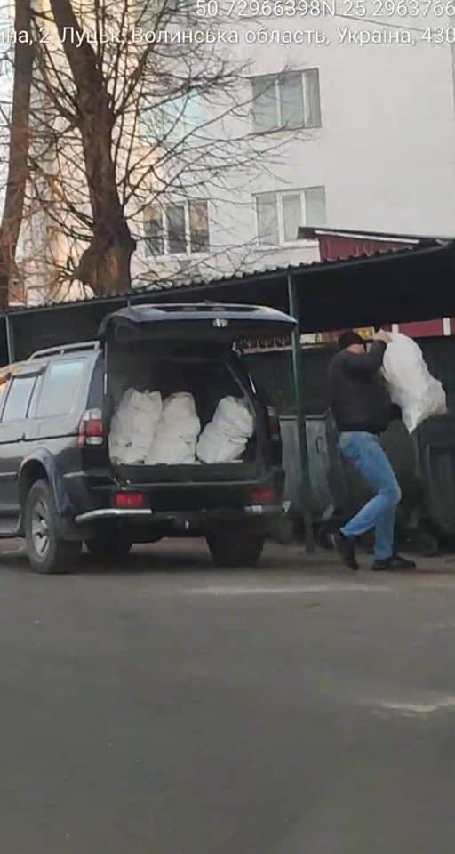 Муніципали оштрафували селян за те, що ті привезли будівельне сміття у Луцьк