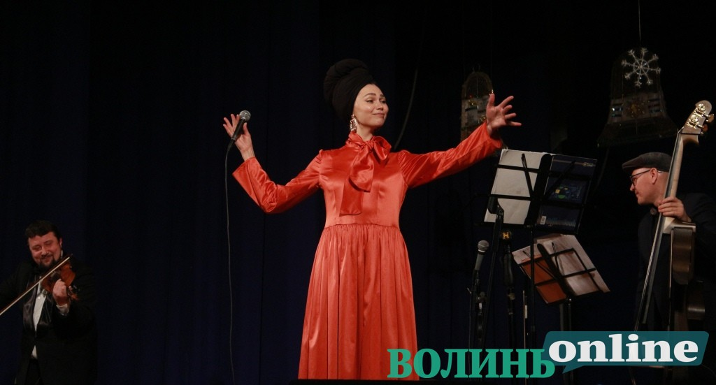 Різдвяні хіти у стилі джаз-мануш: у Луцьк завітали джазові віртуози України. ФОТО