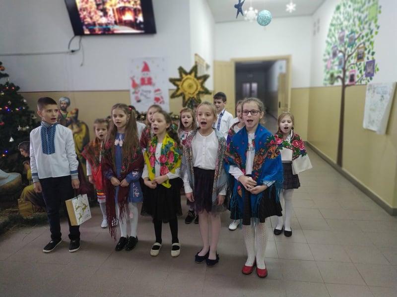 У школі на Волині відбувся конкурс колядок та щедрівок «Новорічний калейдоскоп»