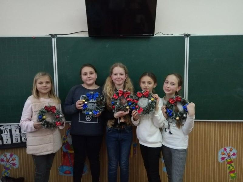 Школярам на Волині провели майстер-клас із виготовлення іграшок