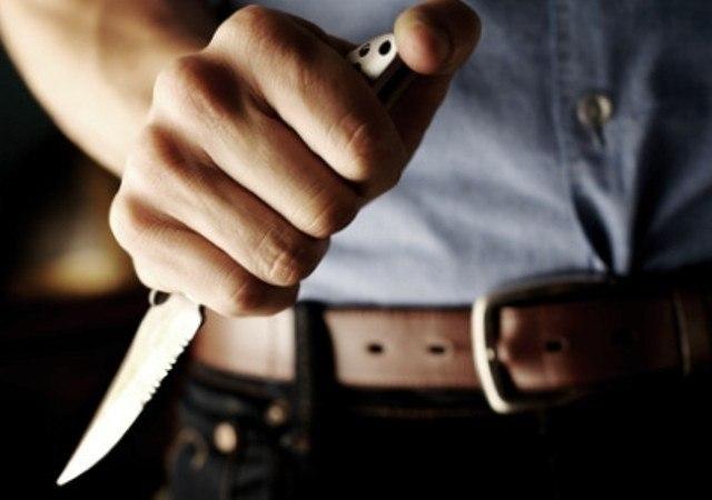 У Луцьку зловмисники поранили ножем поліцейських