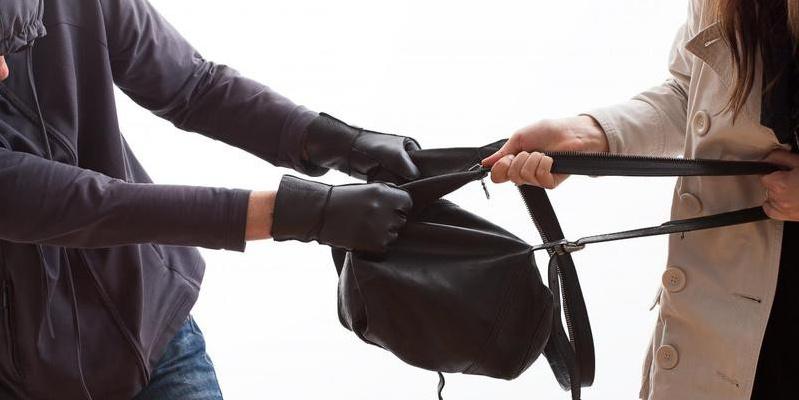 За вкрадену куртку волинянину загрожує до шести років ув'язнення
