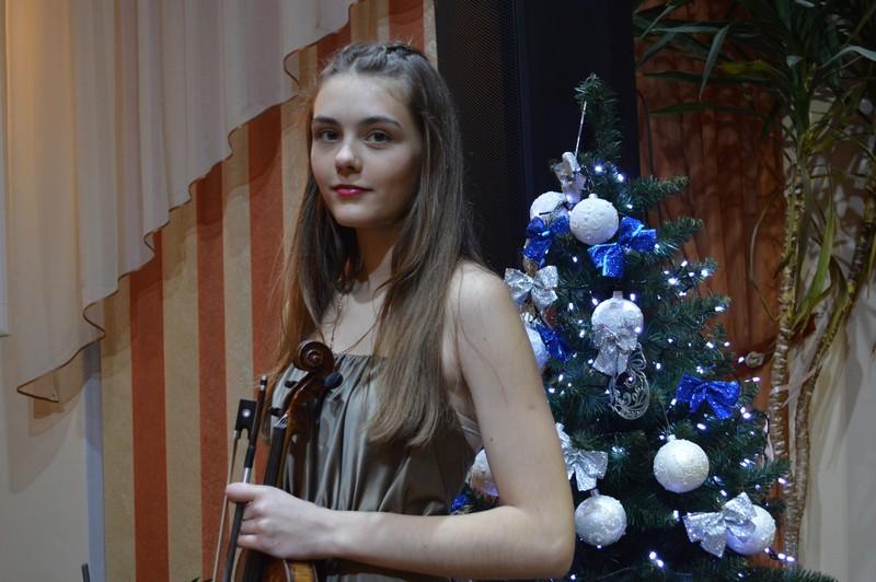 Волинська скрипалька виступила з сольним концертом