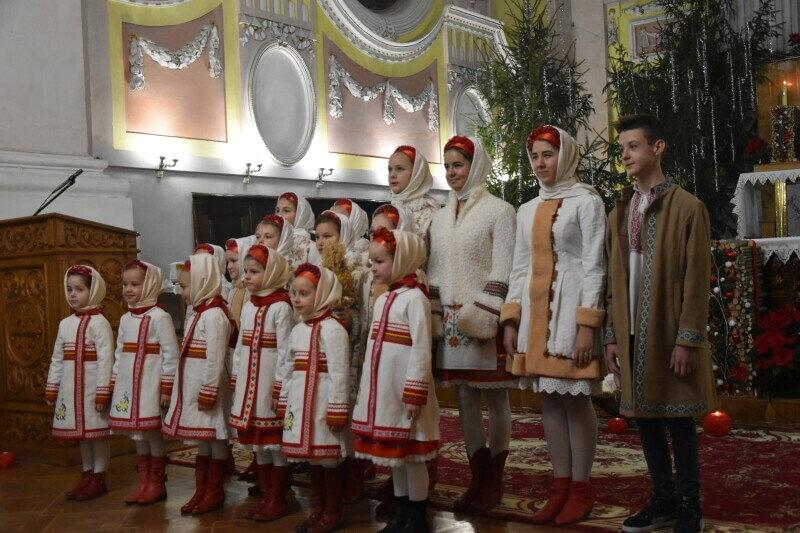У храмах Луцька відбулися святкові різдвяні меси. ФОТО